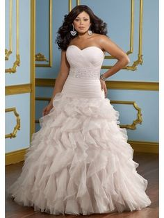 Glamorous A-line Sweetheart neckline Chapel Train Organza Plus Size Wedding Dress WPS0069 - Love this too!!