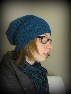 This is a very unique hat. I made it so that it would be very warm around my ears! Knitted Hats, Ears, Crafty, Knitting, Unique, How To Make, Diy, Fashion, Moda