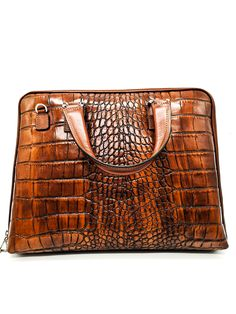 Olasz bőr női akta táska. Körbe cipzáros jól nyitható, osztott belsővel ellátott táska. Tartozik hozzá egy állítható pánt is.  Méret: 40 cm x 31 cm x 6 cm Zip Around Wallet, Pattern, Bags, Handbags, Patterns, Model, Bag, Totes, Swatch