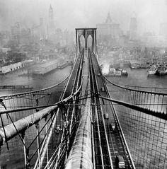 Brooklyn Bridge, photo by Arthur Leipzig, 1946