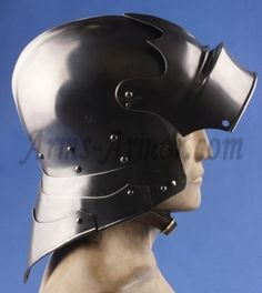 Reprod. German Sallet with visor & articulated tail