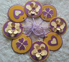 Gennt / Závesná dekorácia purpurová - kvietky a srdiečka