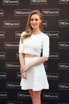 Consigue el look de Manuela Vellés en la entrega del premio TRESemmé MFShow 2015 - http://www.siguelamoda.com/consigue-el-look-de-manuela-velles-en-la-entrega-del-premio-tresemme-mfshow-2015.html