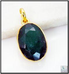 Indian Emerald Gems Stones 18 Ct Y.G. Plated Heart Jewelry Pendants L 1.25in Gppiem-3223 http://www.riyogems.com