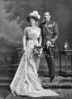 Major, later Brigadier-General Reginald Francis Legge and wife, Rose Eleanor Francis Legge. Vintage Wedding Photos, Vintage Photos, Vintage Weddings, Historical Costume, Historical Clothing, Court Attire, Vintage Outfits, Vintage Fashion, Old Portraits