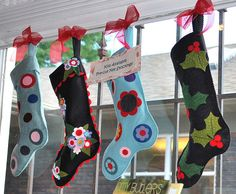 Felt Stockings by pipersquilts, via Flickr