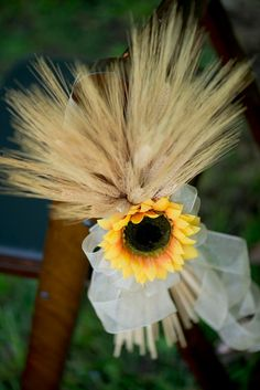 Sunflower and Wheat fall wedding pew. Without the sunflower Church Aisle Decorations, Sunflower Wedding Decorations, Pew Decorations, Wedding Church Aisle, Wedding Pews, Rustic Wedding, Wedding Flowers, Wedding 2015, October Wedding