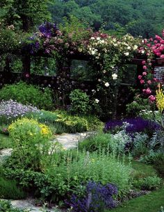THREE FRENCH GARDENS - Mark D. Sikes: Chic People, Glamorous Places, Stylish Things