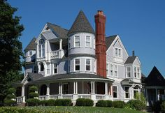 Hinsdale Queen Anne Victorian home