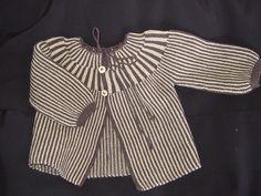 Ravelry: Hege73's Stripete babyjakke. 0-6 months Baby Boy Knitting, Baby Knits, Knitting For Kids, Baby Knitting Patterns, Baby Patterns, Knitting Yarn, New Baby Boys, Baby Cardigan, Baby Crafts
