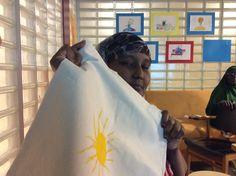 Roihuvuoren palvelukeskuksen somalinaisten ryhmä testaa uusia osallistavia toimintatapoja ohjaajansa tuella. Syksy 2014 - kevät 2015.