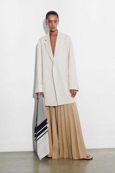 Vogue Paris, Fashion News, Fashion Show, Female Fashion, High Class Fashion, Joseph Fashion, Business Casual Attire, Models, Mannequins