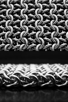 Great Reference: CHAINMAILLE WEAVES AND PATTERNS - LISTED IN ALPHABETICAL ORDER. THESE ARE WEAVES AND PATTERNS THAT HAVE  BEEN DOCUMENTED. THE NAMES OF THESE WEAVES MAY DIFFER FROM ESTABLISHED NAMES ON OTHER WEBSITES. LINKS ON THE RIGHT SIDE OF THE SCREEN WILL DIRECT YOU TO OTHER WEBSITES THAT SHOW MORE EXAMPLES.