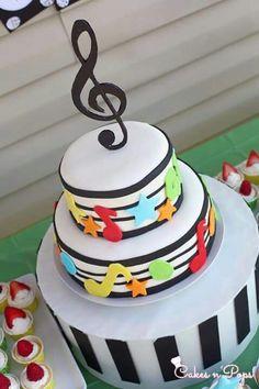 Festa tema musica ♥ Music Birthday Cakes, Music Themed Cakes, Music Cakes, Music Themed Parties, Adult Birthday Cakes, Themed Birthday Cakes, Music Party, Birthday Cupcakes, Birthday Party Themes