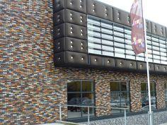 Prachtige bonte mix, gebruikt in Culemborg Brick Architecture, Product Design, Multi Story Building, Colour, Wall, Inspiration, Color, Biblical Inspiration, Walls