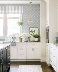 One of the prettiest kitchens we've ever done. ✨ We're constantly inspired by traditional, southern style and our Middleton project's… Beautiful Kitchens, Beautiful Homes, House Beautiful, Decor Scandinavian, Kitchen Wallpaper, Home Design, Interior Design, Apartment Kitchen, New Kitchen