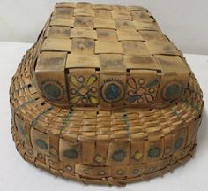native american baskets | Two Native American baskets with colorful potato s : Lot 312
