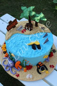 Scuba diving cake with reef details and treasure island