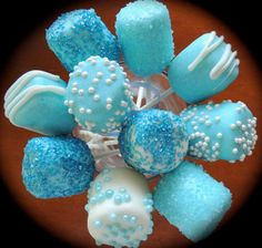 Marshmallow Pops for any Baby Shower DIY Boy Baby Shower Party Ideas-Twinkle Twinkle Little Toes With a little boy on the way, so much excitement in the air! Have you got a Baby Shower organized? DIY Baby Shower Party Ideas for Boys Here. Baby Shower Azul, Deco Baby Shower, Baby Shower Treats, Baby Shower Desserts, Baby Shower Favors, Baby Boy Shower, Baby Shower Decorations, Baby Shower Cakes For Boys, Ideas Para Fiestas