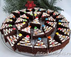 See related links to what you are looking for. Cute Christmas Ideas, Christmas Sweets, Xmas Ideas, Holiday Ideas, Christmas Tree Brownies, Baking Tips, Birthday Cake, Yummy Food, Treats