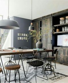 To Create An Industrial Dining Room industrial dining room simple idea dining room simple idea 5 Industrial Interior Design, Industrial Dining, Industrial House, Industrial Interiors, Home Interior Design, Industrial Style, Vintage Industrial, Modern Interiors, Urban Industrial