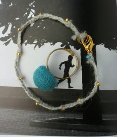 Sieh dir dieses Produkt an in meinem Etsy-Shop https://www.etsy.com/listing/294190373/set-ring-im-retrolook-armband-aus-wolle