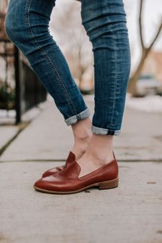 Shocking Shoes For Women Stylish Ideas 4 Surprising Cool Ideas: Shoes Quotes Sneakers shoes ballerinas ankle straps. Cute Shoes, Me Too Shoes, Daily Shoes, Best Loafers, Best Flats, Brown Loafers, Brown Flats, Oxfords, Shoe Boots