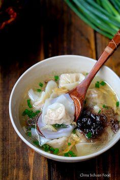 wonton soup recipe - Spicy Sauce: Sauce for Spicy Version Wonton Recipes, Soup Recipes, Cooking Recipes, Ravioli, Ramen, Low Carb Brasil, Asian Recipes, Healthy Recipes, Asian Soup