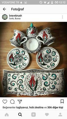 Turkish Plates, Islamic Tiles, Chocolate Coffee, Tray Decor, Ceramic Art, Pomegranate, Tea Pots, Decoupage, Art Projects