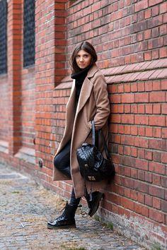 I was Wearing:  Kurtmann.ro black turtleneck sweater,  Missguided camel coat,  Sheinside leggings,  Diva Charm boots,  Jadu backpack,  Daniel Wellington Classic Bristol watch,