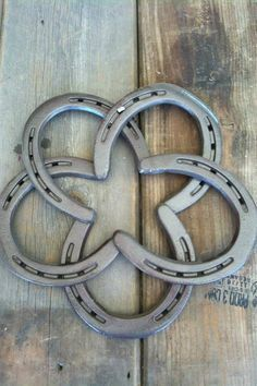 how to make a patriotic horseshoe wreath - Google Search