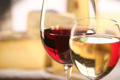 How to make great tasting wines at home. Advice for making fruit wine. White Wine, Red Wine, Charcuterie, Fruity Wine, Moscato Wine, Red Grapes, Italian Wine, Mets, Wine Tasting