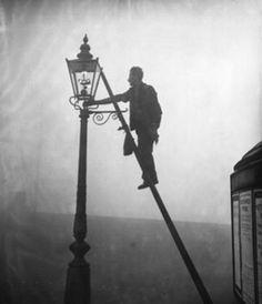Finsbury Park - servicing a gas lamp - c. 1954
