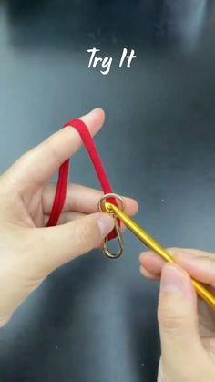 Rope Crafts, Diy Crafts Jewelry, Bracelet Crafts, Yarn Crafts, Diy And Crafts Sewing, Fun Diy Crafts, Crochet Crafts, Diy Bracelets Patterns, Diy Bracelets Easy