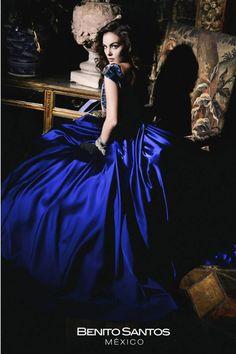 Colección a cargo del Diseñador Mexicano:                BENITO SANTOS  Inspirado en la Gran Diva Maria Felix Portados por la Hermosa Ximena Navarrete.  Make up: Victor Guadarrama.  #MariaFelix #Diva