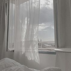 image Pale Aesthetic, Black And White Aesthetic, Aesthetic Colors, Aesthetic Pictures, White Wallpaper, Shades Of White, Pale White, Creamy White, Insta Photo