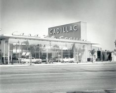 Casa de Cadillac Restored To Its Full 1949 Glory - This classic early-googie style building was built in with the same font style as used on that year's new Cadillacs and was recently renovated. Used Car Lots, Used Cars, Retro Cars, Vintage Cars, Vintage Auto, Vintage Signs, My Dream Car, Dream Cars, Ventura Boulevard