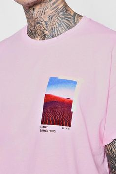 Oversized Photo Print T-Shirt Graphic Shirts, Printed Shirts, Cool Shirt Designs, Shirt Print Design, Apparel Design, 70s Fashion, Kids Outfits, Boohoo, Cube