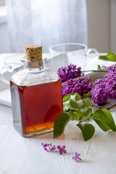 Perfume Bottles, Vase, Table Decorations, Home Decor, Syrup, Decoration Home, Room Decor, Perfume Bottle, Vases