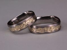 100% handgefertigte Hochzeitsringe aus der ottensheimer Goldschmiede....Beratungstermin unter 0664 / 8457513 vereinbaren..... Gold, Rings For Men, Wedding Rings, Engagement Rings, Jewelry, Men Rings, Handmade, Enagement Rings, Jewlery