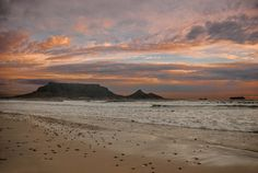 """Sunset over table mountain (South Africa)"" by César Asensio Marco"