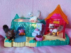 vintage Littlest Pet Shop. My fave ice rink and turtle one!