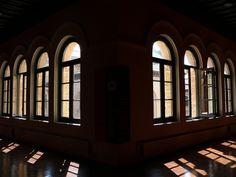 Edificio Paraninfo de la Universidad de Zaragoza. unizar Spain, Windows, Curtains, Home Decor, Zaragoza, University, Antique Photos, Buildings, Universe