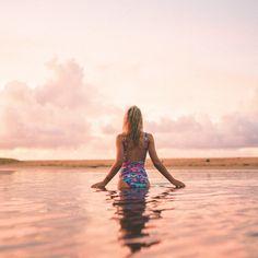 hanalei bay beach sunset in kauai hawaii