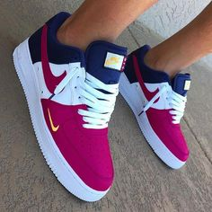 Nike Air Forces Red white and blue Nike air forces Available in men and women Men Women Nike Shoes Sneakers Cute Sneakers, Sneakers Mode, Sneakers Fashion, Fashion Shoes, Shoes Sneakers, Nike Fashion, Men Fashion, Fashion Beauty, Souliers Nike