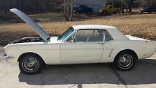 Ford : Mustang coupe 1965 ford mustang 6 cilynder inline 3 speed manual transmission