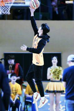 Nam Joo Hyuk Lee Sung Kyung, Nam Joo Hyuk Cute, Jong Hyuk, Korean Male Actors, Asian Actors, Korean Boys Ulzzang, Korean Men, Nam Joo Hyuk Weightlifting Fairy, Weighlifting Fairy Kim Bok Joo