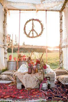 wedding outdoor boho chic After Wedding-Shooting im Indian-Summer-Style - Hochzeitswahn - Sei inspiriert Indian Summer, Hippie Party, Hippie Birthday, Wedding Shoot, Wedding Table, Diy Wedding, Wedding Parties, Wedding Ideas, Elegant Wedding