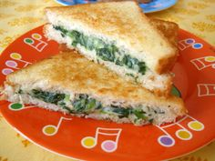 Par boil 1 1/2 cups of chopped spinach for 3 mts. Strain the water completely and keep aside. Heat 1tbsp of butter in a pan, add 1tbsp of all purpose flour, saute for 3m. Add a cup of milk and stir till no lumps, approx 5 mts. Add 2 tbsps of grated cheese, salt & pepper. Combine. Add boiled spinach and combine and turn off heat.  Apply butter on two slices of bread (on one side) and spread this spinach filling all over on one slice, place the other bread slice and toast till golden. Serve…