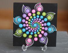 Artículos similares a Punto Mandala en lona de 6 x 6 pintadas en Etsy